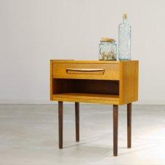 ベッドサイドテーブル/UD8276