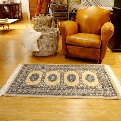 77x126cm|パキスタン手織り絨毯 / ムガールJ(BE) / 1点物