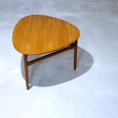 三角形コーヒーテーブル(高さ60cm) |UD6089