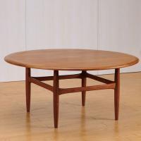 北欧デンマークのビンテージ家具/UD70/ラウンドテーブル