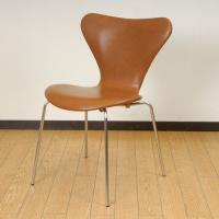 北欧デンマークのビンテージ家具/UD2096/アルネ・ヤコブセンデザイン セブンチェア(レザー)