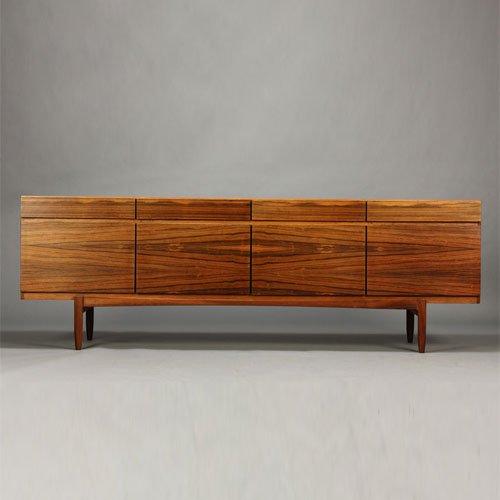 北欧デンマークのビンテージ家具/UD3101/Kofod-Larsen サイドボード