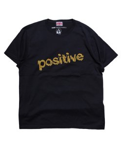 "RALEIGH/ラリー REDMOTEL/レッドモーテル (2色展開)<br>【 ""POSITIVE, POSITIVE, POSITIVE"" T-SHIRTS (BK/2019 Ver.) 】"