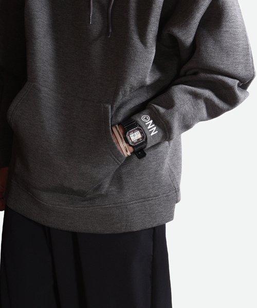 NIL DUE / NIL UN TOKYO / ニル デュエ / ニル アン トーキョー | EMBROIDERY LOGO HOODIE (DARK GRAY) 商品画像11