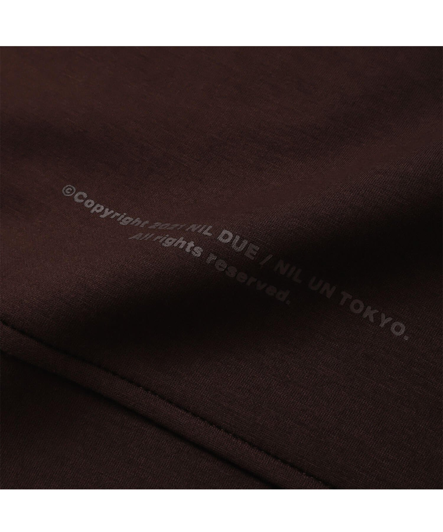 NIL DUE / NIL UN TOKYO / ニル デュエ / ニル アン トーキョー | EMBROIDERY LOGO HOODIE (CHOCOLATE BROWN) 商品画像3