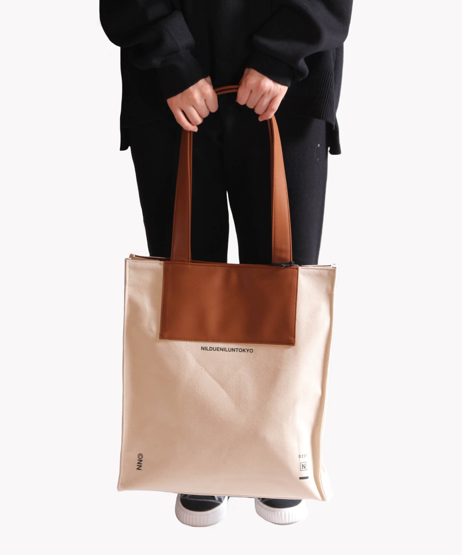 NIL DUE / NIL UN TOKYO / ニル デュエ / ニル アン トーキョー | CANVAS LEATHER TOTE (BROWN) 商品画像5