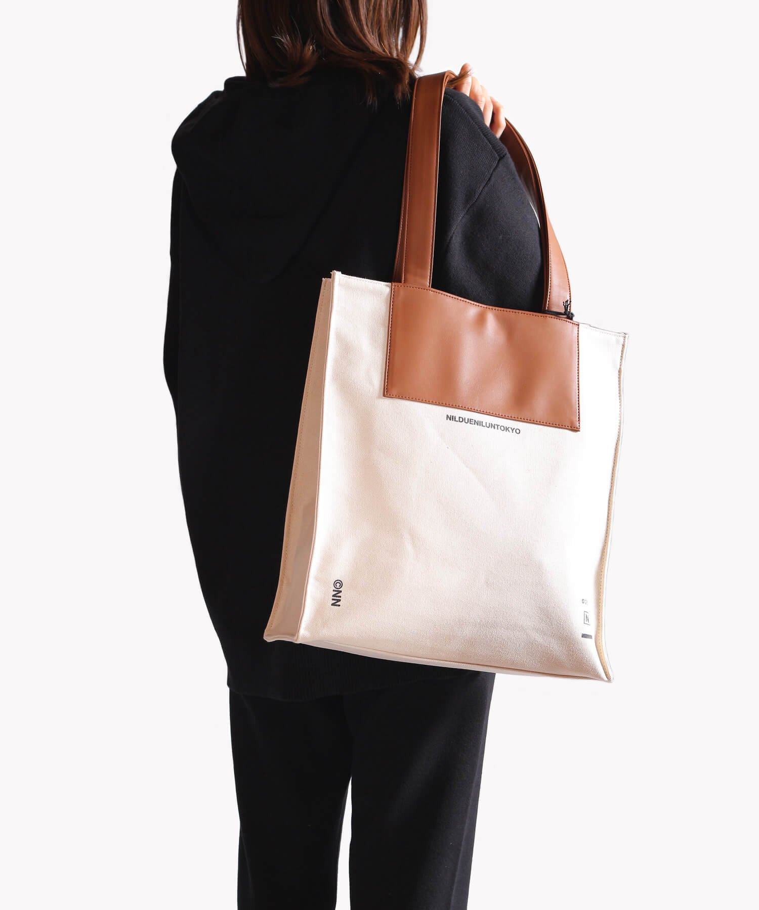 NIL DUE / NIL UN TOKYO / ニル デュエ / ニル アン トーキョー | CANVAS LEATHER TOTE (BROWN) 商品画像7