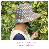 <img class='new_mark_img1' src='https://img.shop-pro.jp/img/new/icons61.gif' style='border:none;display:inline;margin:0px;padding:0px;width:auto;' />Asymmetry hat 水玉