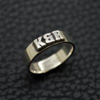 ■【K&R】 イニシャルレリーフリング ブラックスミス書体 製作例