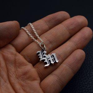 ■KM オールドイングリッシュイニシャルネックレス製作例