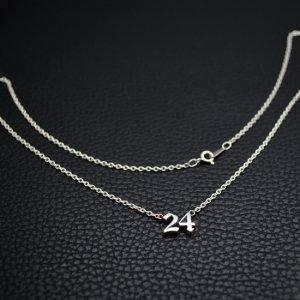 ■シルバー製ナンバーネックレス2桁【Sサイズ】-墨入れ-[オールドイングリッシュ書体]