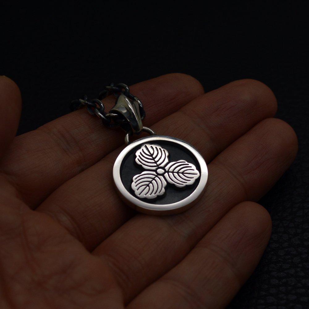 ■家紋ペンダントネックレス【丸に三つ柏】