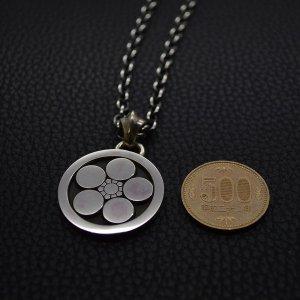 ■家紋ペンダントネックレス製作例【丸に梅鉢】