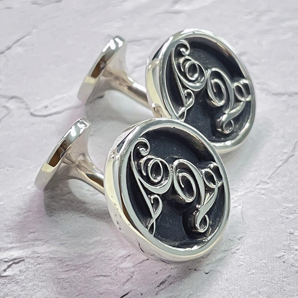 ■イニシャルカフスボタン(銀製 いぶし銀仕上げ)オーダーメイド製作