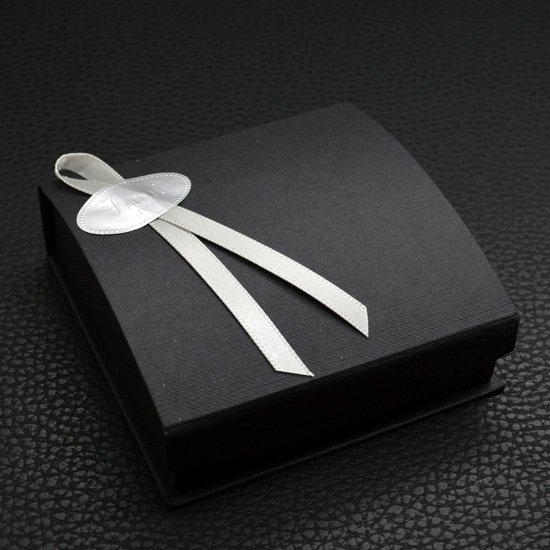 イニシャルネックレスのギフトパッケージで人気のあるブラックボックス