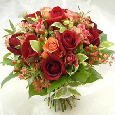 赤バラクラッチブーケ花束