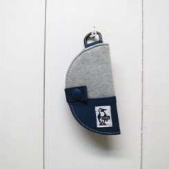 チャムス/CHUMS/Half-moon Key Case Sweat Nylon/H・Gray×Basic Navy