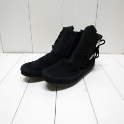 MINNETONKA/ミネトンカ レディース TWO BUTTON BOOT/ブラック