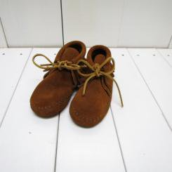 MINNE TONKA/ミネトンカ キッズ CLASSIC FRINGED BOOT/ BROWN