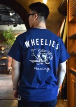 <img class='new_mark_img1' src='https://img.shop-pro.jp/img/new/icons50.gif' style='border:none;display:inline;margin:0px;padding:0px;width:auto;' />WHEELIES / FAST BUNNY S/S TEE (NAVY)
