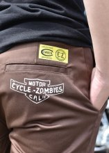 <img class='new_mark_img1' src='https://img.shop-pro.jp/img/new/icons1.gif' style='border:none;display:inline;margin:0px;padding:0px;width:auto;' />Cycle Zombies x COWDEN KILLS RATS SLIM WORK PANTS (BROWN)