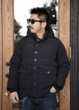 <img class='new_mark_img1' src='https://img.shop-pro.jp/img/new/icons50.gif' style='border:none;display:inline;margin:0px;padding:0px;width:auto;' />TROPHY CLOTHING - ALPINE DOWN JACKET (BLACK)