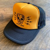 <img class='new_mark_img1' src='https://img.shop-pro.jp/img/new/icons1.gif' style='border:none;display:inline;margin:0px;padding:0px;width:auto;' />DicE magazine / Skull & Bolts Trucker Cap (YELLOW)