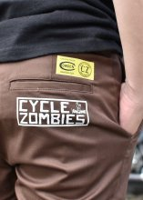 <img class='new_mark_img1' src='https://img.shop-pro.jp/img/new/icons1.gif' style='border:none;display:inline;margin:0px;padding:0px;width:auto;' />Cycle Zombies x COWDEN SURF TRASH SLIM WORK PANTS (BROWN)