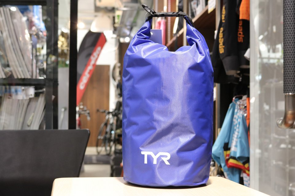 TYR(ティア)LIGHT DRY BAG