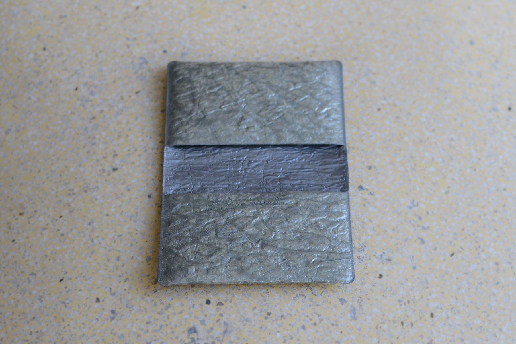 PE FOLDING CARD CASE [Platinum silver]
