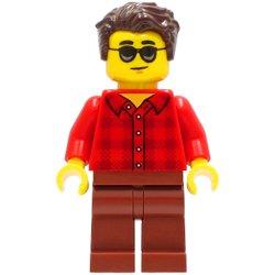 赤いフランネルシャツの男性(#60292)