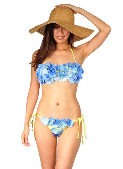 <img class='new_mark_img1' src='https://img.shop-pro.jp/img/new/icons41.gif' style='border:none;display:inline;margin:0px;padding:0px;width:auto;' />3D Flower set up bikini(Bandeau Yellow/Blue)