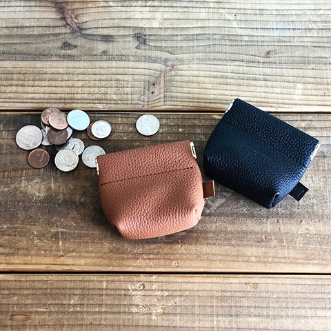 <img class='new_mark_img1' src='https://img.shop-pro.jp/img/new/icons16.gif' style='border:none;display:inline;margin:0px;padding:0px;width:auto;' />STANDARD CALIFORNIA BUTTON WORKS × SD Leather Coin Case