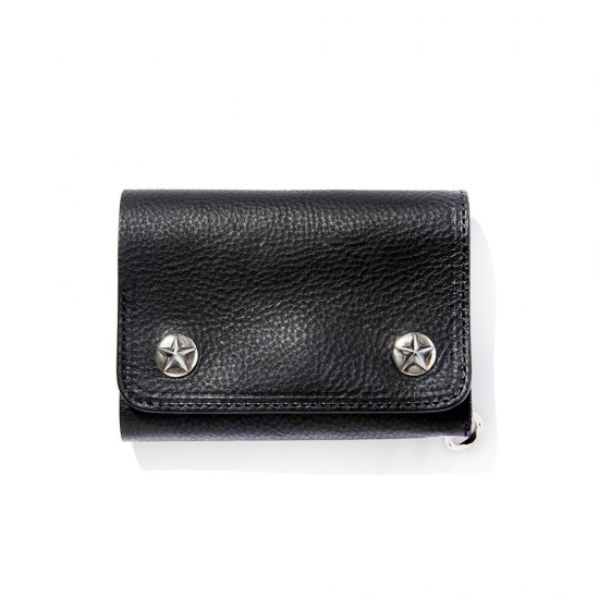 <img class='new_mark_img1' src='https://img.shop-pro.jp/img/new/icons50.gif' style='border:none;display:inline;margin:0px;padding:0px;width:auto;' />CALEE Silver star concho flap leather half wallet