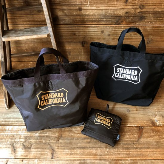 <img class='new_mark_img1' src='https://img.shop-pro.jp/img/new/icons12.gif' style='border:none;display:inline;margin:0px;padding:0px;width:auto;' />STANDARD CALIFORNIA PORTER × SD Packable Utility Tote Bag