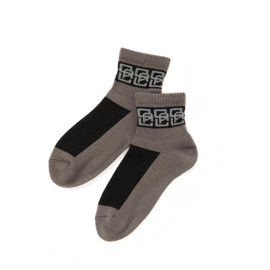 <img class='new_mark_img1' src='https://img.shop-pro.jp/img/new/icons12.gif' style='border:none;display:inline;margin:0px;padding:0px;width:auto;' />CALEE Monogram pattern short socks