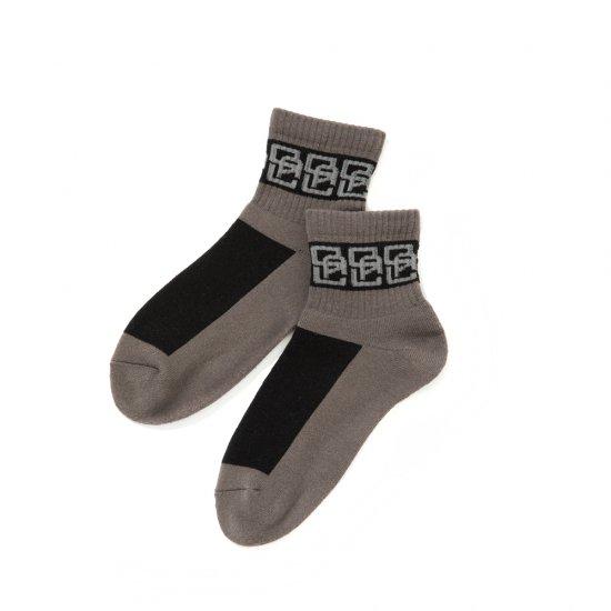 <img class='new_mark_img1' src='https://img.shop-pro.jp/img/new/icons12.gif' style='border:none;display:inline;margin:0px;padding:0px;width:auto;' />CALEE Monogram pattern short socks