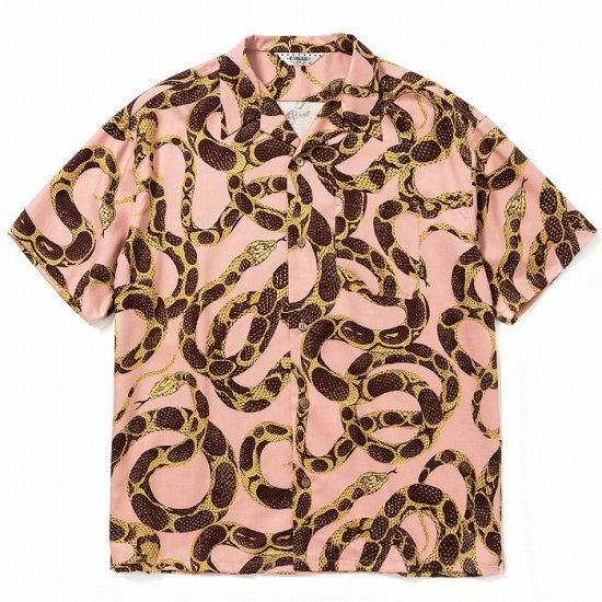 <img class='new_mark_img1' src='https://img.shop-pro.jp/img/new/icons12.gif' style='border:none;display:inline;margin:0px;padding:0px;width:auto;' />CALEE Allover snake pattern S/S shirt