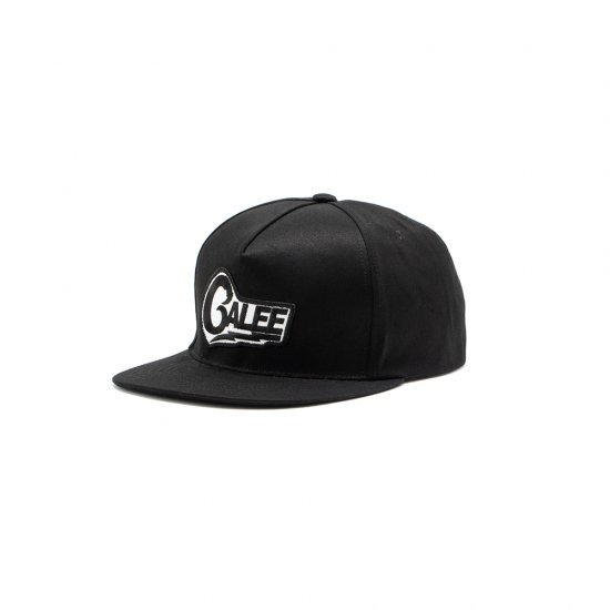 <img class='new_mark_img1' src='https://img.shop-pro.jp/img/new/icons12.gif' style='border:none;display:inline;margin:0px;padding:0px;width:auto;' />CALEE Cotton twill wappen cap