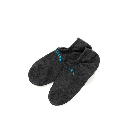 <img class='new_mark_img1' src='https://img.shop-pro.jp/img/new/icons12.gif' style='border:none;display:inline;margin:0px;padding:0px;width:auto;' />CALEE Limited ankle socks