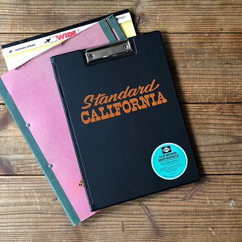 <img class='new_mark_img1' src='https://img.shop-pro.jp/img/new/icons12.gif' style='border:none;display:inline;margin:0px;padding:0px;width:auto;' />STANDARD CALIFORNIA PENCO × SD Clip Board A4