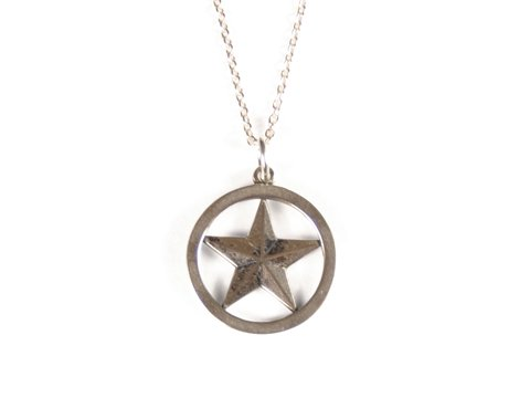 <img class='new_mark_img1' src='//img.shop-pro.jp/img/new/icons50.gif' style='border:none;display:inline;margin:0px;padding:0px;width:auto;' />STANDARD CALIFORNIA SD MADE IN USA STAR NECKLACE SILVER