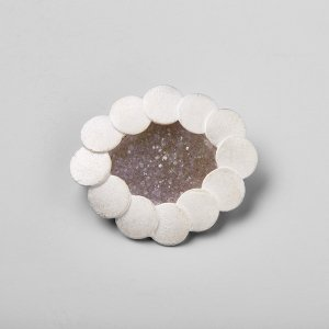 Brooch -pool -