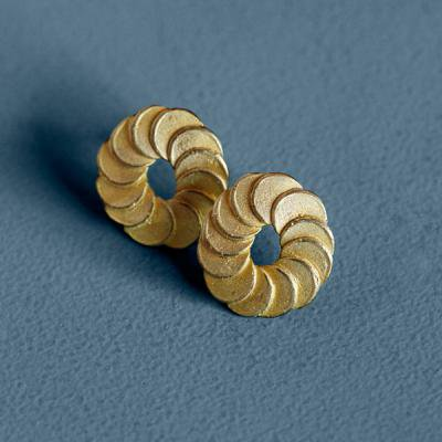 Pattern Pierce bronze