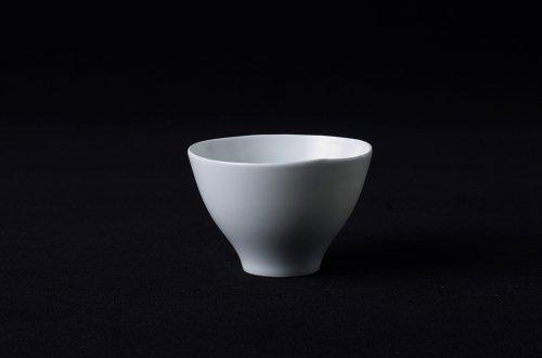 白磁湯呑み