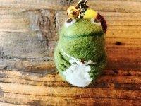 羊毛オブジェ 浮き輪カエルのストラップ