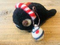 羊毛オブジェ お祭りオタマジャクシブローチ