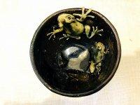 蛙の中から成長過程のゆのみ