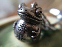 無事カエルのキーホルダー