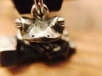 ネジカエルのキーリング